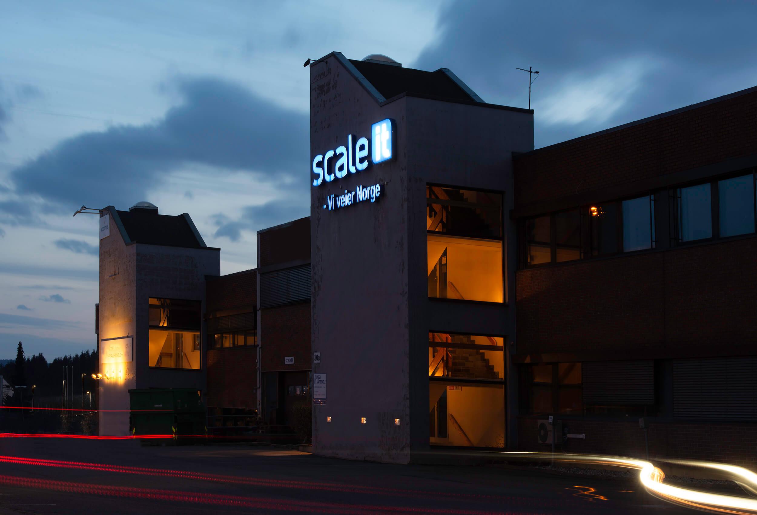 Scaleit fasade mørk